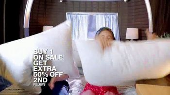 Macy's July 4th Sale TV Spot, 'Specials for the Home' Song by Brenton Wood - Thumbnail 7