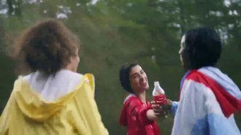 Coca-Cola TV Spot, 'Comparte una Coca-Cola con amigos' [Spanish] - Thumbnail 2