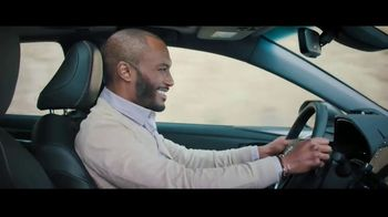 2019 Toyota Avalon TV Spot, 'Catch Me If You Can'