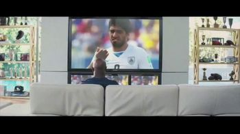 Optimum Altice One TV Spot, 'FIFA World Cup' Featuring Evander Holyfield - Thumbnail 5