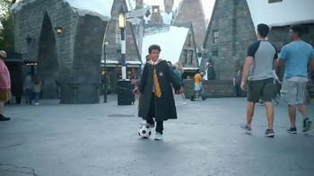 Universal Parks & Resorts TV Spot, 'Fútbol es universal' con Kaká [Spanish] - Thumbnail 5