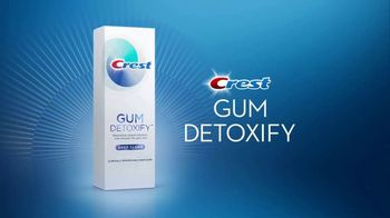 Crest Gum Detoxify & Gum & Enamel Repair TV Spot, 'Irritated Gums' - Thumbnail 4