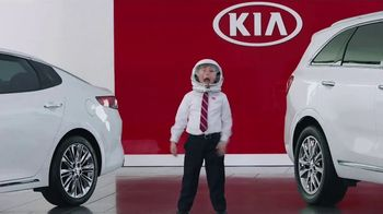 Kia America's Best Value 4th of July Event TV Spot, 'Space Helmet: Top Safety Pick' [T2] - 91 commercial airings