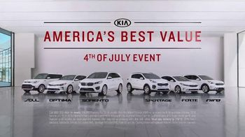 Kia America's Best Value 4th of July Event TV Spot, 'Space Helmet: Top Safety Pick' [T2] - Thumbnail 8