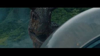 Dairy Queen Jurassic Chomp Blizzard TV Spot, 'Jurassic World' - Thumbnail 3