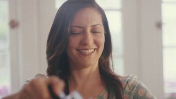 AARP Services, Inc. TV Spot, 'Salud, dinero y amor' [Spanish] - Thumbnail 1