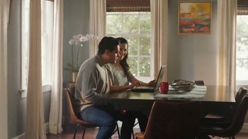 AARP Services, Inc. TV Spot, 'Salud, dinero y amor' [Spanish] - Thumbnail 8