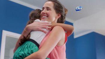 Dial Complete 2 in 1 TV Spot, 'Mejor juntos' [Spanish] - Thumbnail 9