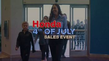 Honda 4th of July Sales Event TV Spot, 'Act Fast' [T2] - Thumbnail 9