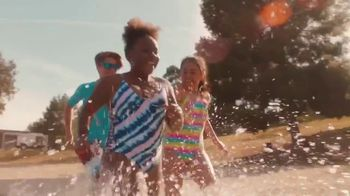 JCPenney TV Spot, 'Disfruta el verano' canción de Redbone [Spanish] - Thumbnail 5