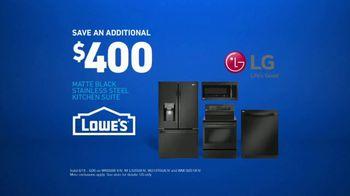 Lowe's TV Spot, 'Oven Moment: LG Kitchen Suite' - Thumbnail 8