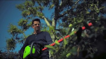 GreenWorks Pro 60-Volt 24-Inch Hedge Trimmer TV Spot, 'Beyond the Ordinary' - Thumbnail 6