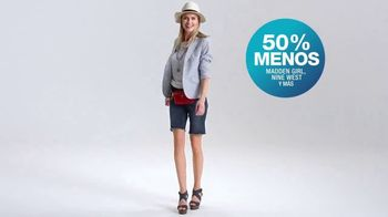 Macy's TV Spot, 'La hora de comprar: trajes, sandalias y cama' [Spanish] - Thumbnail 7