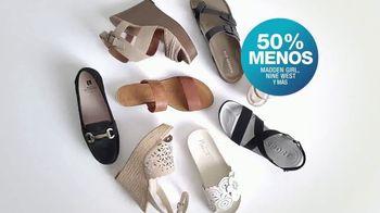 Macy's TV Spot, 'La hora de comprar: trajes, sandalias y cama' [Spanish] - Thumbnail 8