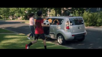 Kia TV Spot, 'FIFA: Never Outgrow Your Love for Kia' Song by Mora Navarro - Thumbnail 4