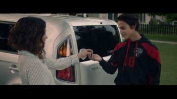 Kia TV Spot, 'FIFA: Never Outgrow Your Love for Kia' Song by Mora Navarro - Thumbnail 9