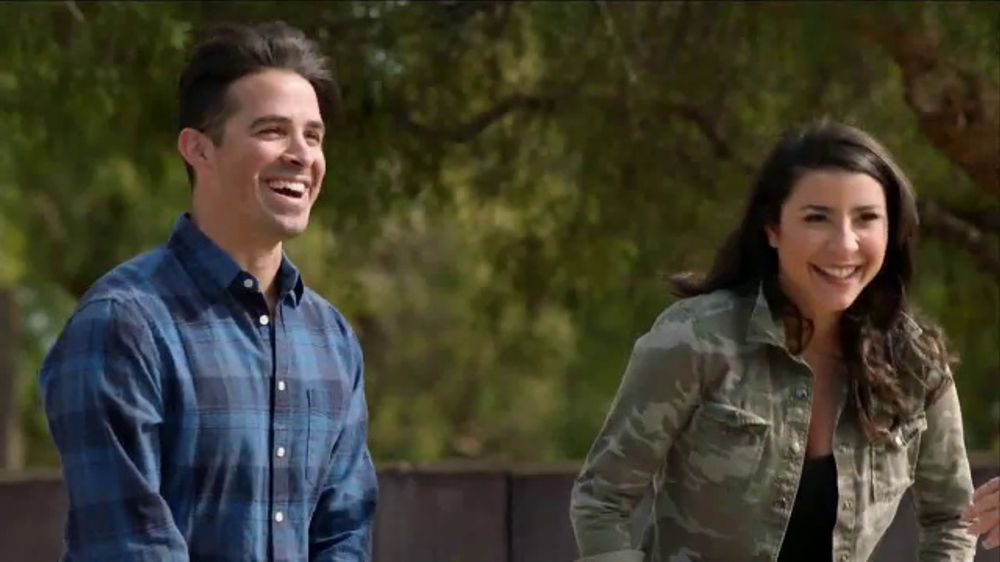 Chevrolet Commercial Song >> 2018 Chevrolet Equinox TV Commercial, 'New Couple' - iSpot.tv