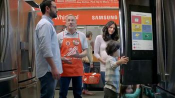 The Home Depot Red, White & Blue Savings TV Spot, 'Laundry Pair' - Thumbnail 4