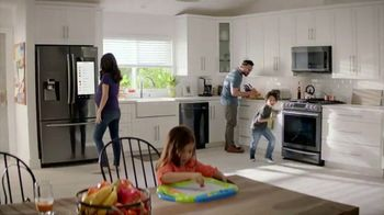 The Home Depot Red, White & Blue Savings TV Spot, 'Laundry Pair' - Thumbnail 6