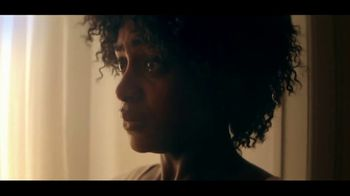 Netflix TV Spot, 'Kiss Me First' - Thumbnail 8