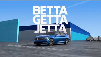 Volkswagen 4th of July Deals TV Spot, 'Turb-Whoa' Song by YUNGBLUD [T2] - Thumbnail 7