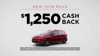 2018 Toyota RAV4 TV Spot, 'Tech Savvy' [T2] - Thumbnail 9