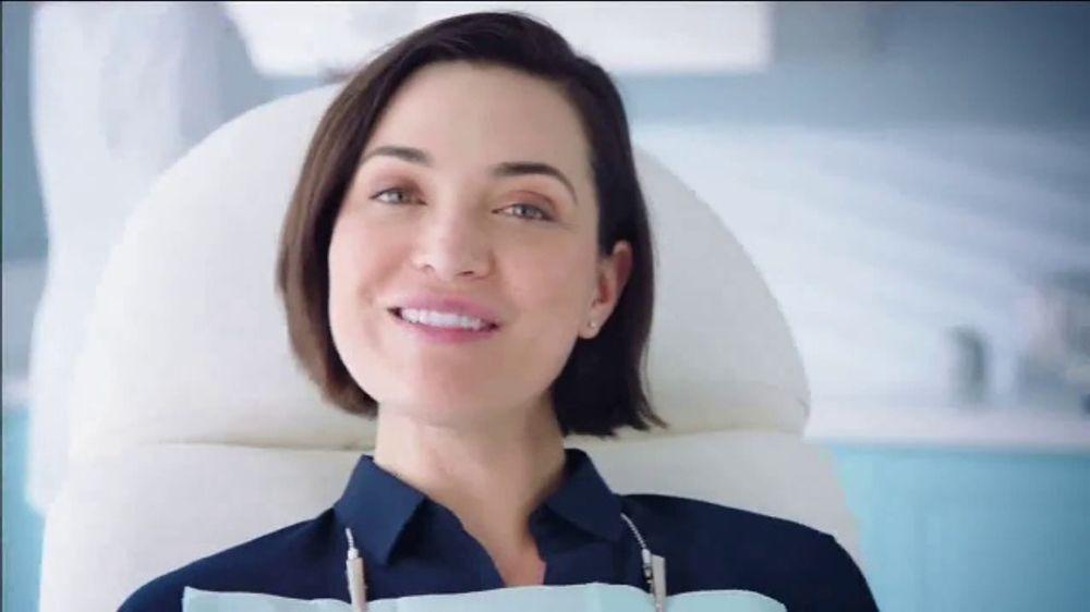 Crest Gum Detoxify & Gum & Enamel Repair TV Commercial, 'Early Gum Damage'