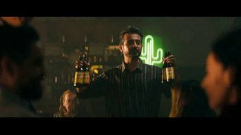 Cerveza Victoria TV Spot, 'El grito' [Spanish] - Thumbnail 7