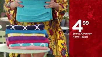 JCPenney TV Spot, 'Enjoy Summer in Style' - Thumbnail 3