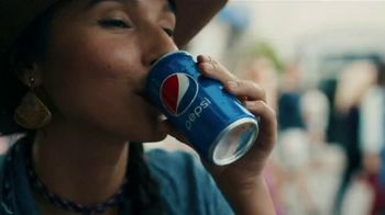 Pepsi TV Spot, 'Paint the World Blue' Ft. Lionel Messi, Song by Major Lazer - Thumbnail 8