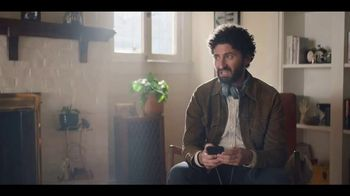 LG G7 ThinQ TV Spot, 'What's It Gonna Take: Verizon' Feat. Aubrey Plaza - Thumbnail 6