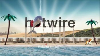 Hotwire TV Spot, 'The Hotwire Effect: Beach' - Thumbnail 10