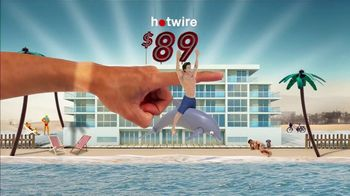 Hotwire TV Spot, 'The Hotwire Effect: Beach' - Thumbnail 3