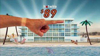 Hotwire TV Spot, 'The Hotwire Effect: Beach' - Thumbnail 7