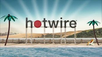 Hotwire TV Spot, 'The Hotwire Effect: Beach' - Thumbnail 9