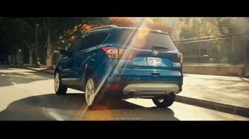 Ford Escape TV Spot, 'What Can I Do?' Song by Bill Withers [T1] - Thumbnail 2
