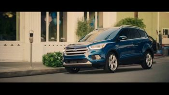 Ford Escape TV Spot, 'What Can I Do?' Song by Bill Withers [T1] - Thumbnail 3