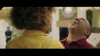 Ford Escape TV Spot, 'What Can I Do?' Song by Bill Withers [T1] - Thumbnail 9