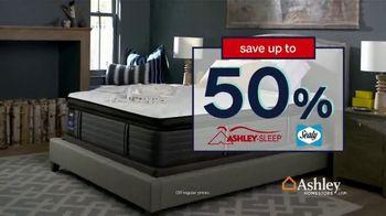 Ashley HomeStore Labor Day Mattress Sale TV Spot, 'Free Sonos Speaker' - Thumbnail 4