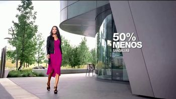 Macy's La Venta del Día del Trabajo TV Spot, 'Trajes' [Spanish] - Thumbnail 10