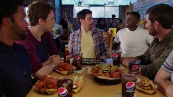 Buffalo Wild Wings Fantasy Draft Kit TV Spot, 'Daydream' Ft. Antonio Brown - Thumbnail 7