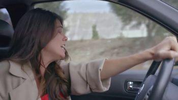 T-Mobile TV Spot, 'Univision: Billboard Car Chase' - Thumbnail 2