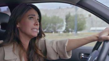 T-Mobile TV Spot, 'Univision: Billboard Car Chase' - Thumbnail 3