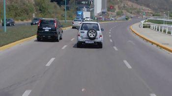 T-Mobile TV Spot, 'Univision: Billboard Car Chase' - Thumbnail 4