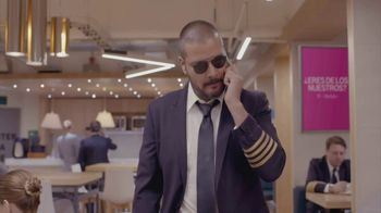 T-Mobile TV Spot, 'Univision: La Piloto' [Spanish] - Thumbnail 8