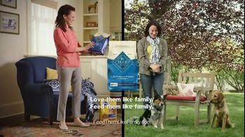 Blue Buffalo TV Spot, 'Blue vs. Pedigree: Dental Bones' - Thumbnail 9