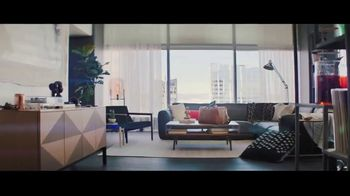 2019 Toyota Avalon TV Spot, 'Catch Me If You Can' [T1] - Thumbnail 1