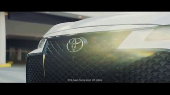 2019 Toyota Avalon TV Spot, 'Catch Me If You Can' [T1] - Thumbnail 4