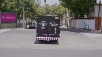 T-Mobile TV Spot, 'Univision: Rufian' [Spanish] - Thumbnail 10