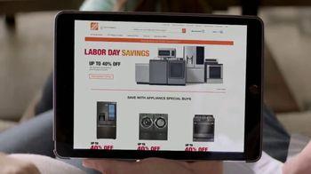 The Home Depot Labor Day Savings TV Spot, 'Más: refrigerador' [Spanish] - Thumbnail 2